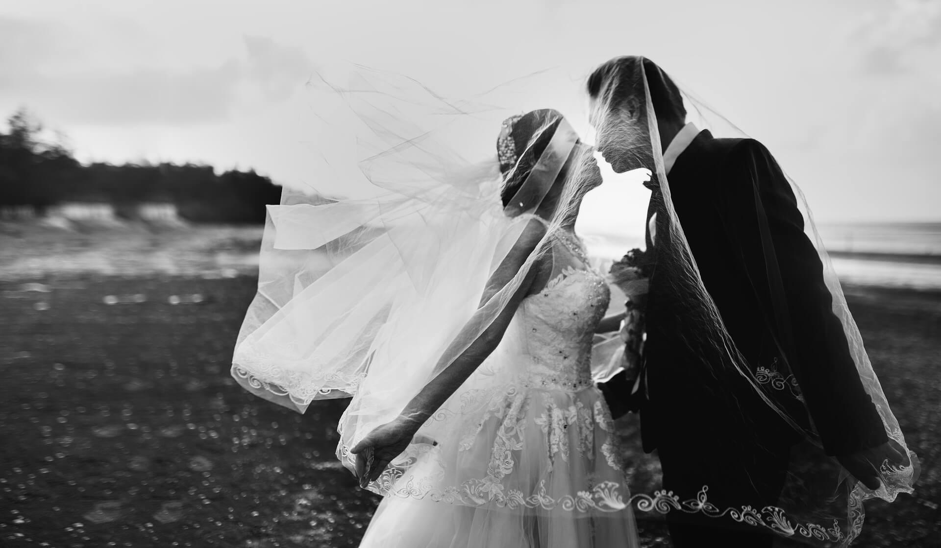 南明奈の結婚式は無人島で行われた!式に出席した芸能人は?